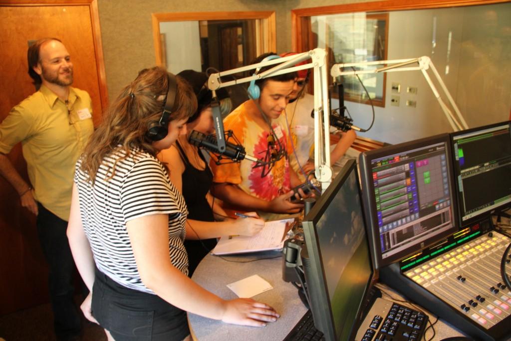 March 2016 Radio 2