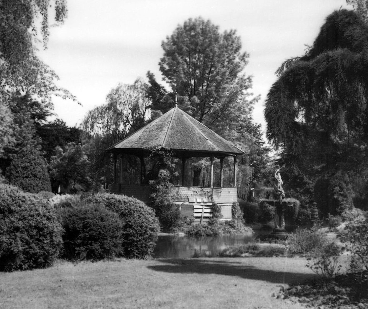 The Elizabeth Park bandstand. It was built in 1901 and in poor condition when the photo was taken in 1938. photo: Ben Sefrit, Whatcom Museum #1995.1.1753