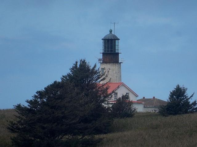 Cape Flattery Lighthouse on Tatoosh Island 82 kb
